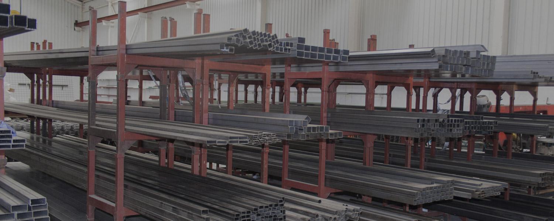 materiales de construcción, cercados, forjas
